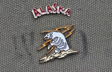 """ALASKA BEAR"" Pin Set METALIZE CO."